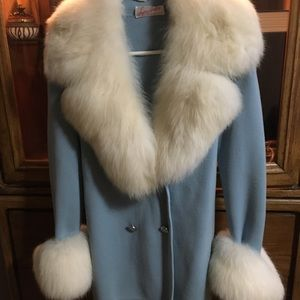 Jackets & Blazers - Vintage sweater fur trimmed coat/jacket